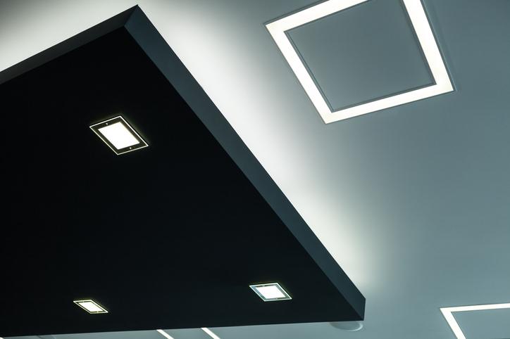 Oświetlony korytarz